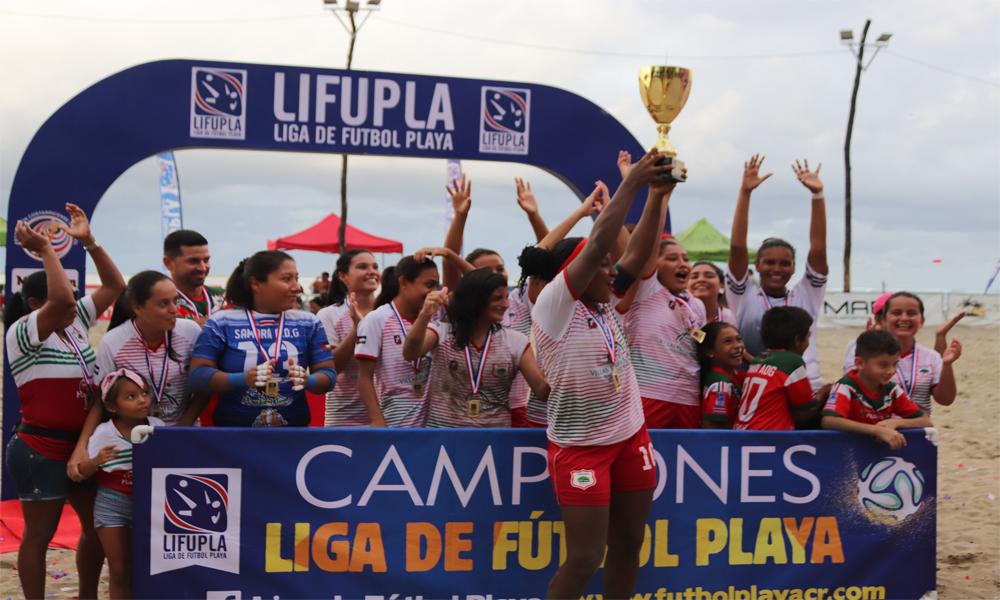El equipo de Cámara se dejó el primer torneo femenino de fútbol playa.