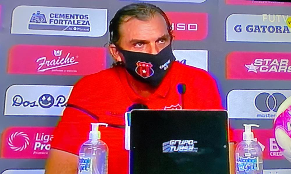 Andrés Carevic, técnico de Alajuelense, prefiere hablar del trabajo de su equipo y no de sus figuras.