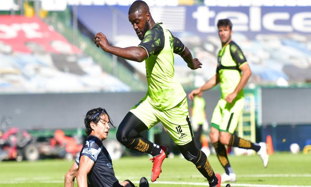 Joel Campbell fue clave en el fogueo del León ante el Irapuato. Marcó gol y dio asistencia.