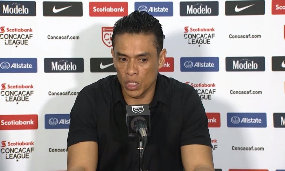 Walter Centeno, técnico del Deportivo Saprissa, advierte que un despiste podría dejar fuera al conjunto morado de la Liga CONCACAF.