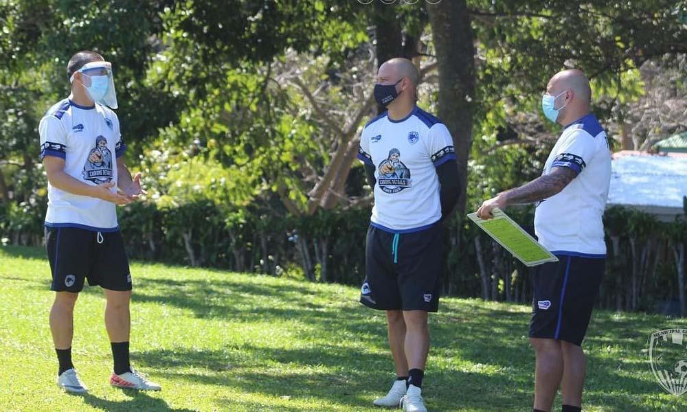 La Lllegada de Gilberto Martínez al banquillo del Municipal Grecia va acompañada por la presencia de jugadores de mucha experiencia.