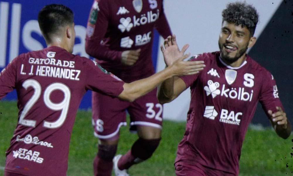 Johan Venegas sigue siendo como el amuleto de Saprissa en Liga CONCACAF. Esta noche marcó doblete.