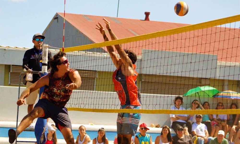 Pese a que solo faltaban las finales en las diferentes categorías, el voleibol playa se quedó sin campeones este año.