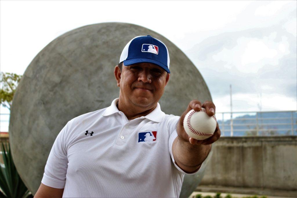Marco Antonio Mendoza, mexicano que trabajó con la MLB, es el nhuevo coach de picheo de la Selección Nacional de Beisbol.