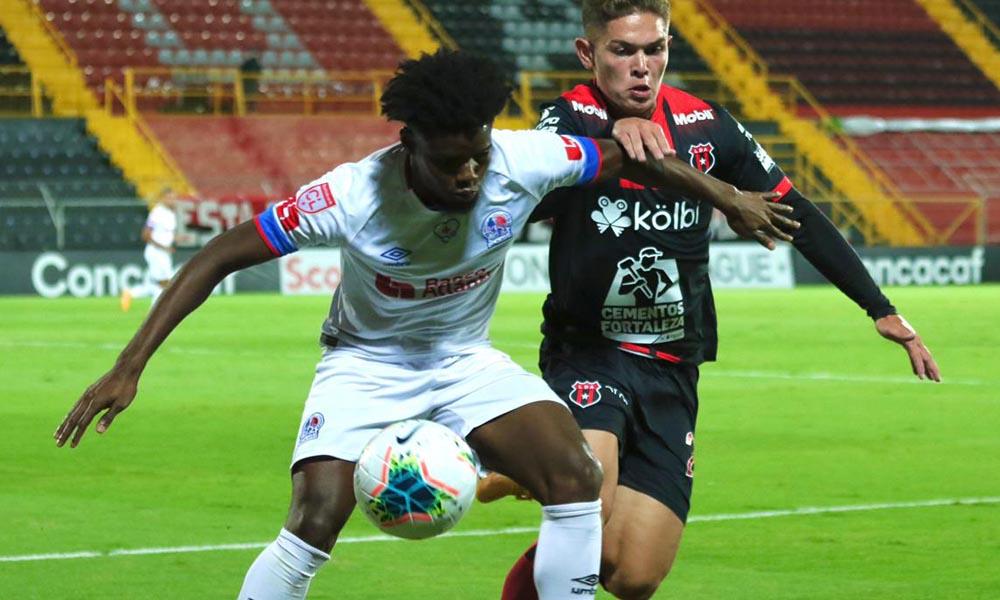 Alajuelense igualó con el Olímpia, de Honduras, pero sacó ventaja en los lanzamientos desde el punto de penal.