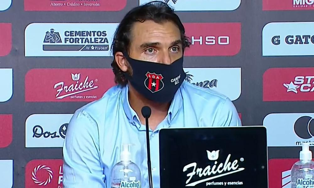 La competencia interna es clave en Alajuelense, según el técnico Andrés Carevic.