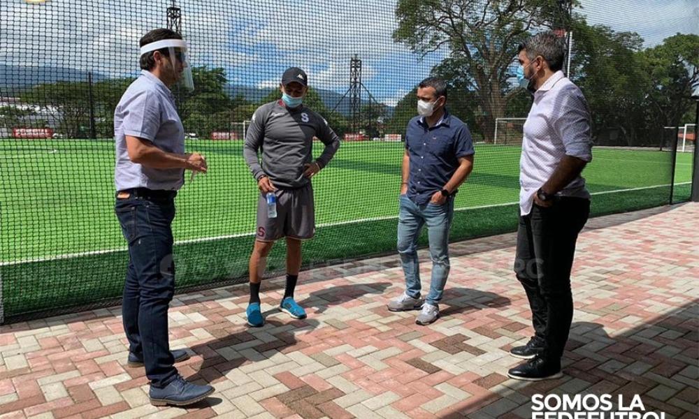 Ronald González y su cuerpo técnico se distribuirán las vosirías en los estadios de la primera división del fútbol nacional.