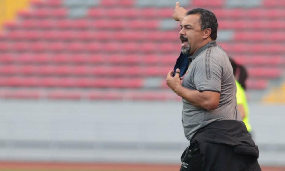 Fernando Palomeque, técnico del Herediano, aspira a corregir pronto el rumbo del equipo, que no ha ganado en el Clausura 2021.