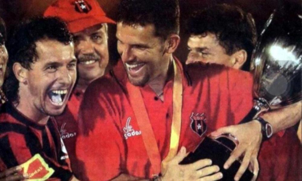 Javier Delgado recordó que CONCACAF.com, la final de 2004 en el Torneo de Campeones y Sub Campeones de CONCACAF, entre Alajuelense y Saprissa.