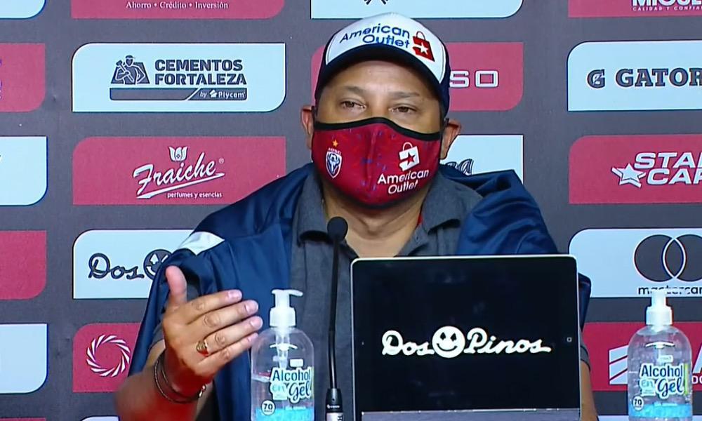 Jeaustin Campos, el técnico de San Carlos, reasaltó el trabajo de sus jugadores, esta noche, ante Alajuelense.