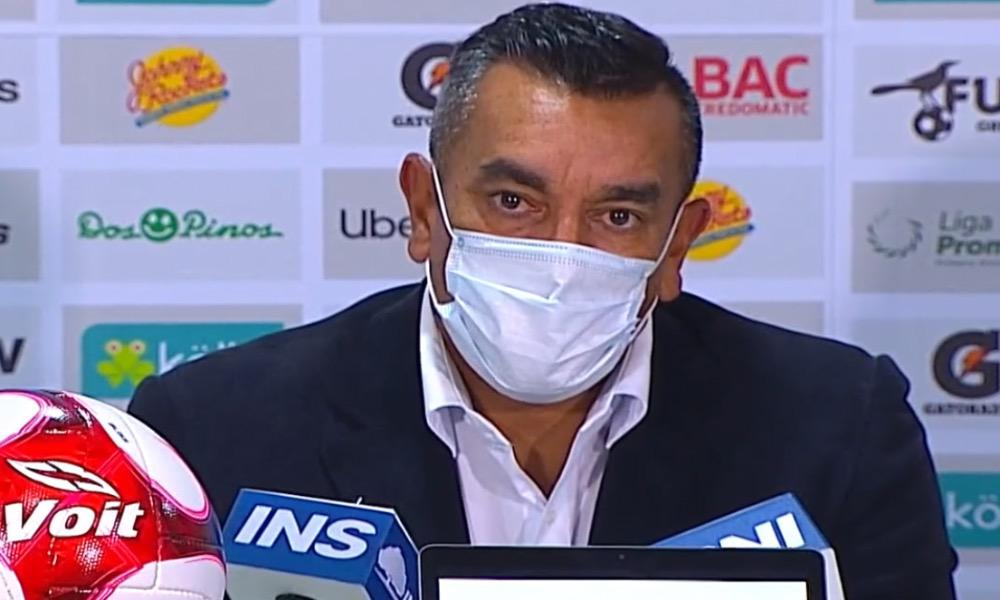 José Giacone, el técnico de Sporting, salió insatisfecho con la forma en que su equipo manejó las jugadas a balón parado.