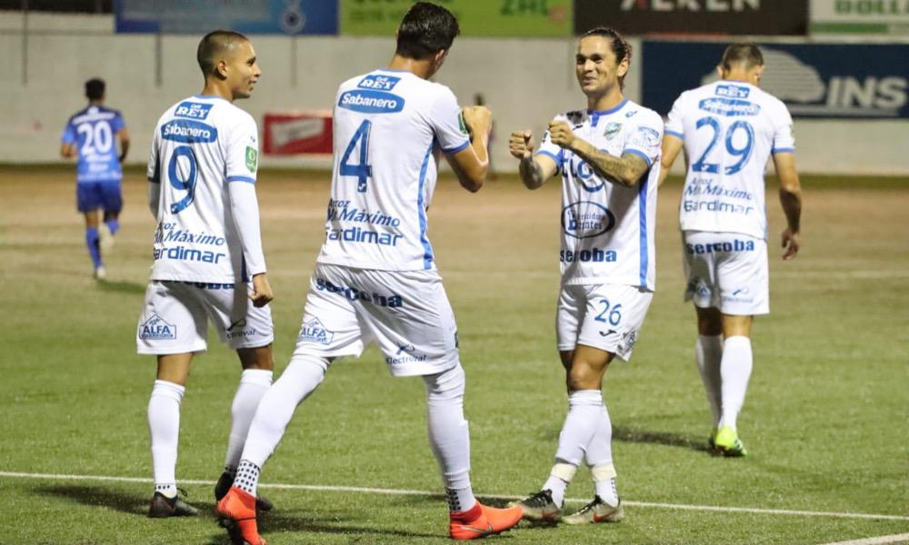 Jicaral sigue en plan grande en el torneo. Esta noche superó al Municipal Pérez Zeledón, en el sur del país.