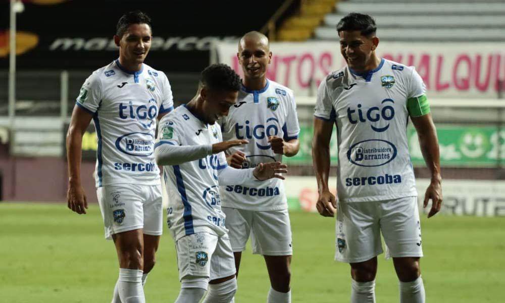 El equipo de Jicaral tuvo un buen desempeño esta noche ante Saprissa, pero el técnico, Martín Arriola quiere más.