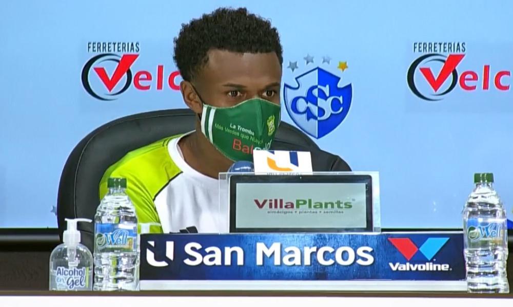 Yuaicell Wright, en nombre del camerino de Limón FC, se pronunció en favor e la continuidad de Ricardo Allen en el banquillo.