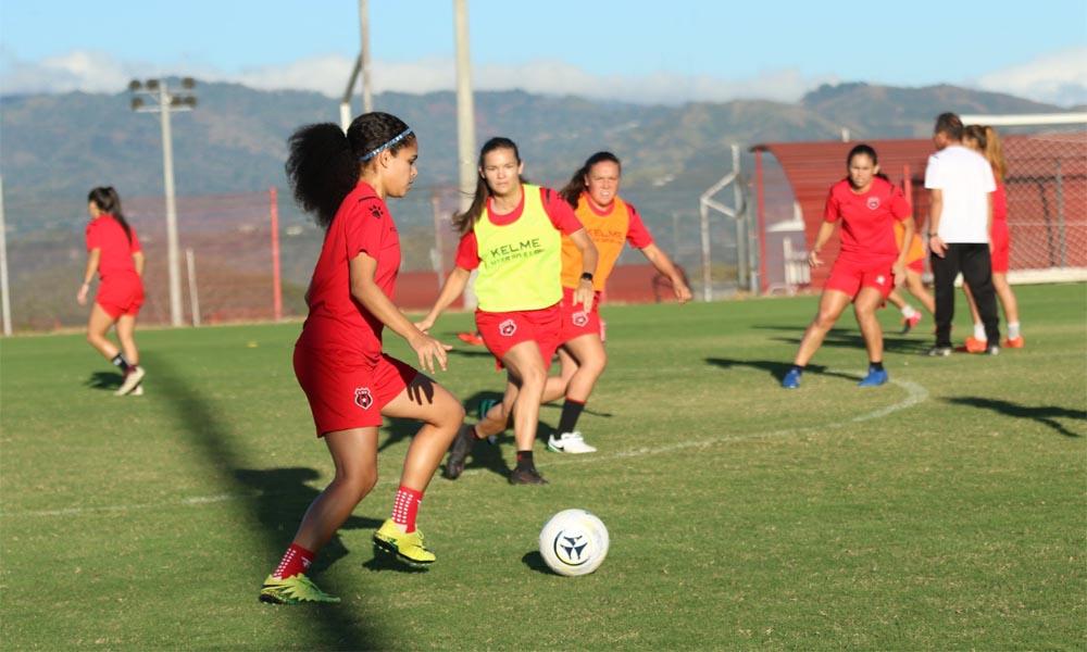 La pretemporada le permitió a Wlmer López conocer mejor a su equipo, de cara al inicio de la nueva temporada de la Liga Femenina de Fútbol al frente de Alajuelense.