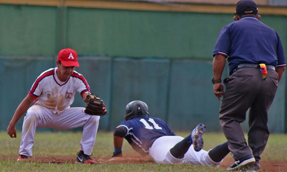 CODEA se impuso a Santo Domingo en la primera jornada de la Liga Sub 23 del beisbol nacional.