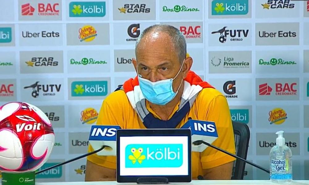 Daniel Casas, técnico de LimónFC, calificó como una vergüenza lo que ofreció su equipo ante Saprissa.