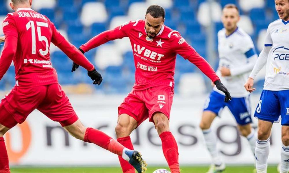 Felicio Brown está pasando un buen momento en el fútbol de Polonia.