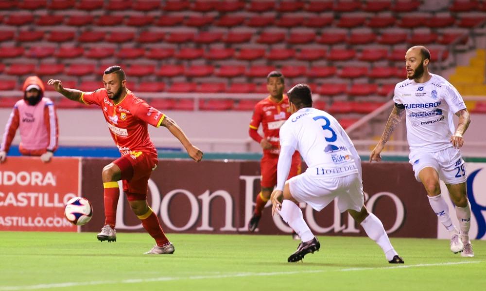 Herediano bregó con un hombre menos para sacar un empate ante el Pérez Zeledón.
