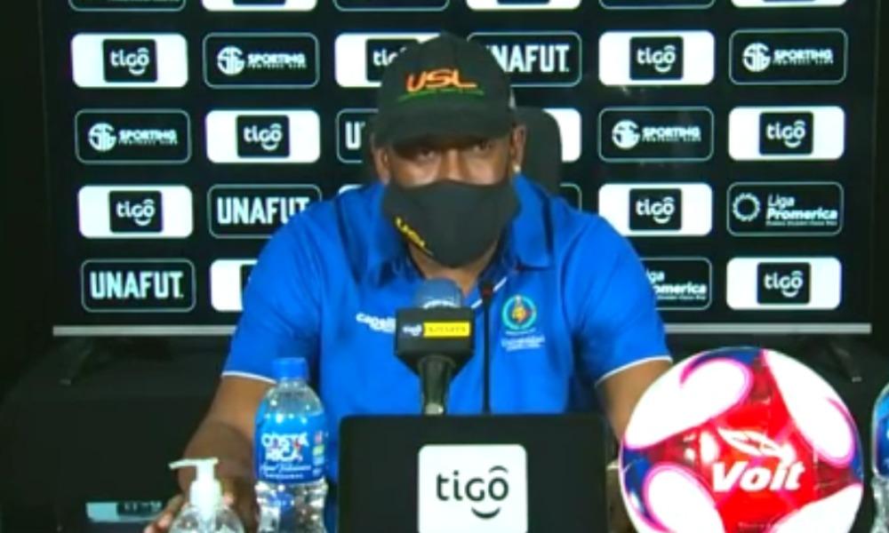 Hernán Medford, técnico del Cartaginés, se diio avergonzado por la derrota ante Sporting.