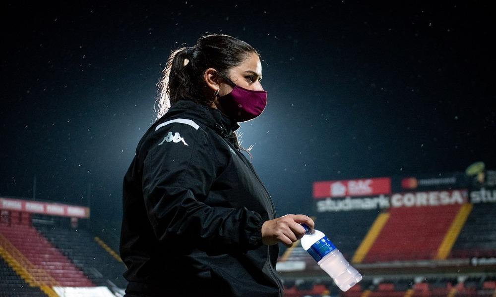 Karol Robles volverá a dirigir al Saprissa, de manera interina, tras la salida de Fabián Barquero.