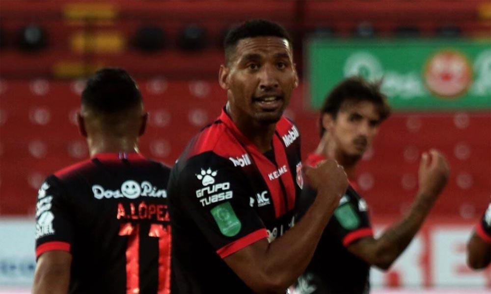 Marcel Hernández se subió al liderato de goleo con sus tres tantos de esta tarde ante Sporting.