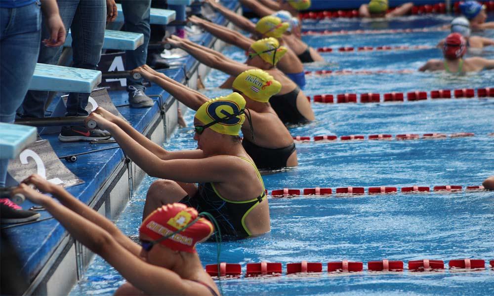 180 nadadores tomaron parte en el Torneo Invitacional del fin de semana pasado.
