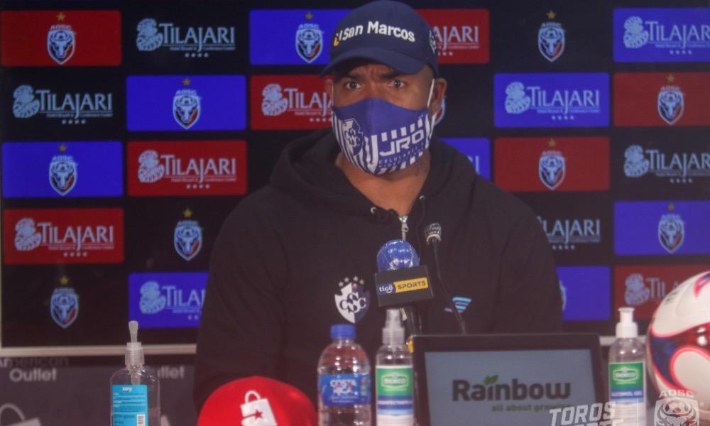 Román Torres ya habla como todo un líder en el Cartaginés, con apenas dos semanas de haberse integrado al equipo.