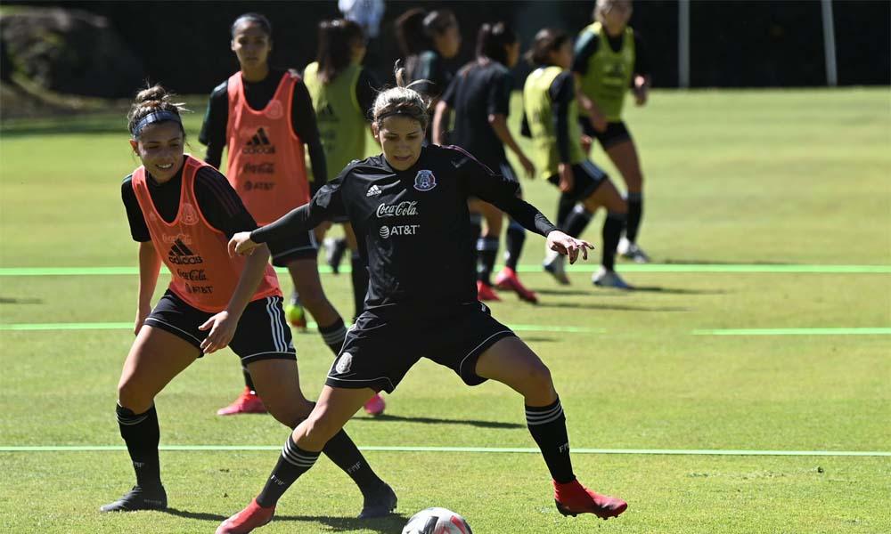 La Selección Femenina de Fútbol de México se prepara en el Centro de Alto Rendimiento, en Toluca.