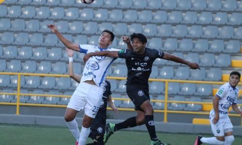 Sporting FC y Jicaral no pasaron del cero, en un partido apenas aburrido.