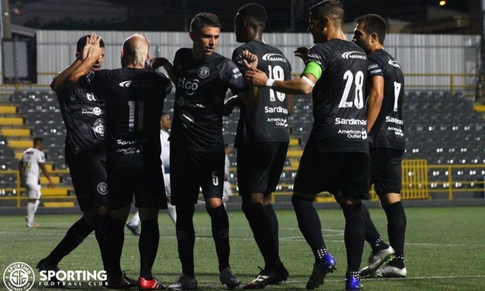 El equipo de Sporting se las agenció, con 10 hombres, para sacar una victoria clave sobre el Cartaginés.
