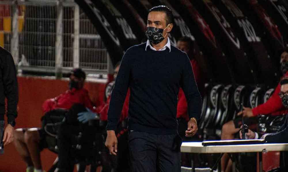 Walter Centeno sumò otro fracazo desde el banquillo del Saprissa.