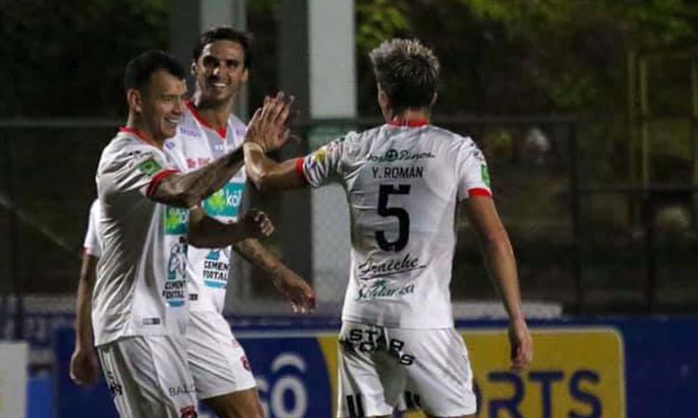 Alajuelense recibió una multa de 1.5 millones de colones por faltar al protocolo sanitario bajo el cual se juega la temporada de primera división.