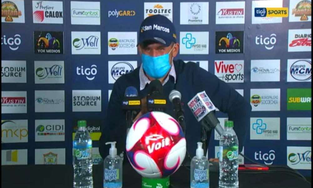 Alexander Vargas, el técnico de Guadalupe, criticó que su equipo bajara la intensidad con la arrancó el juego ante Alajuelense.