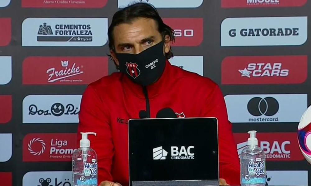 Andrés Carevic, técnico de Alajuelense, dejó claro que en su equipo no hay espacio para relajarse.