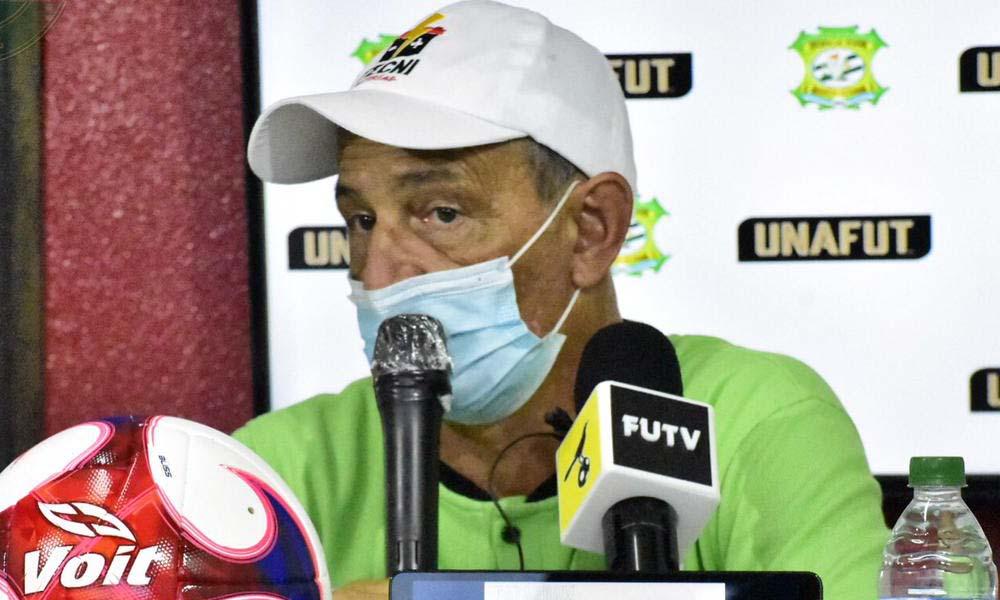 Daniel Casas, el técnico de Limón FC, se tomó la derrota ante Herediano con algo de ironía.