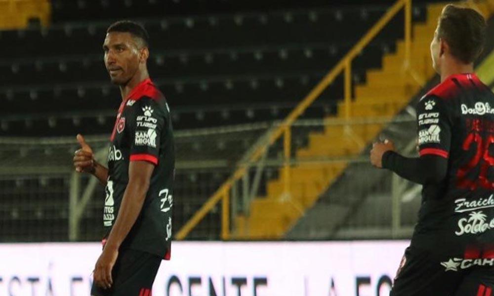 Marcel Hernández espera obtener permiso para viajar a Estados Unidos con Alajuelense.