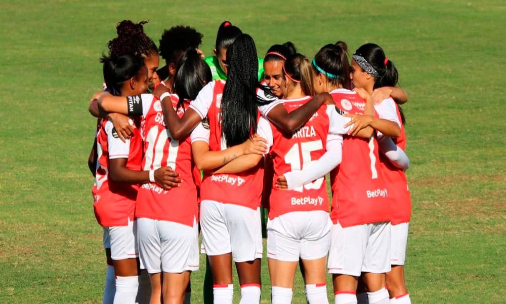 El Santa Fe, con Daniela Solera, goleó en su primera presentación en la Copa Libertadores.