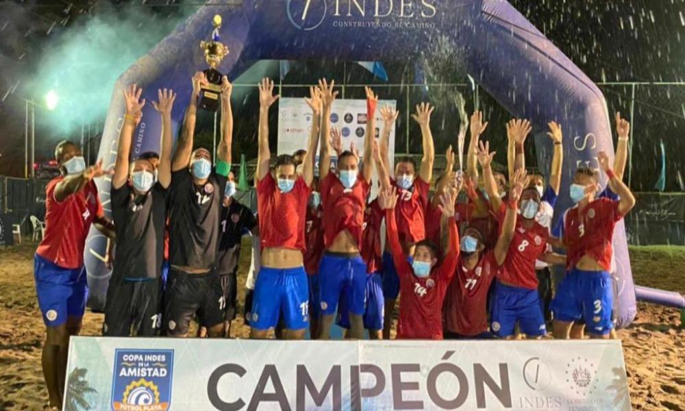 La Sele de Fútbol Playa ganó recientemente un torneo en El Salvador. Foto: cortesía, FEDEFUTBOL.